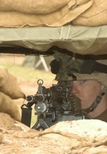 soldier-fighting-position-m240