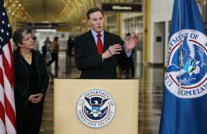 Napolitano observes as Pistole give speech at Regan National Airport