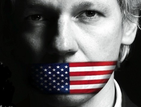 assange-mouthcovered-usflag
