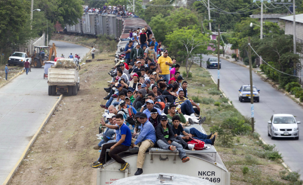 mexicans-invade-train